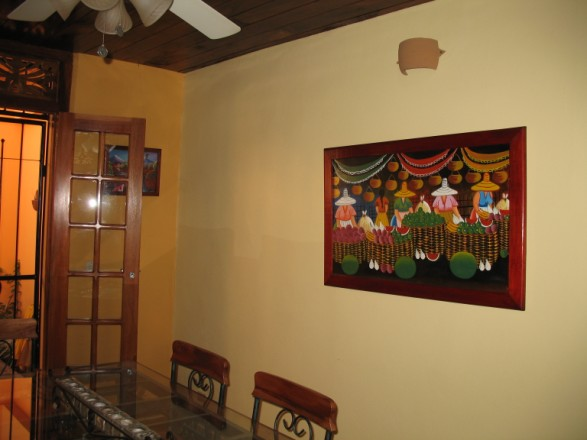 Casa de la Plaza - Dining Room Area with a good Painting