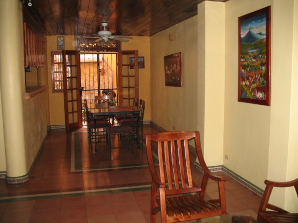Casa de la Plaza - Dining Room Area