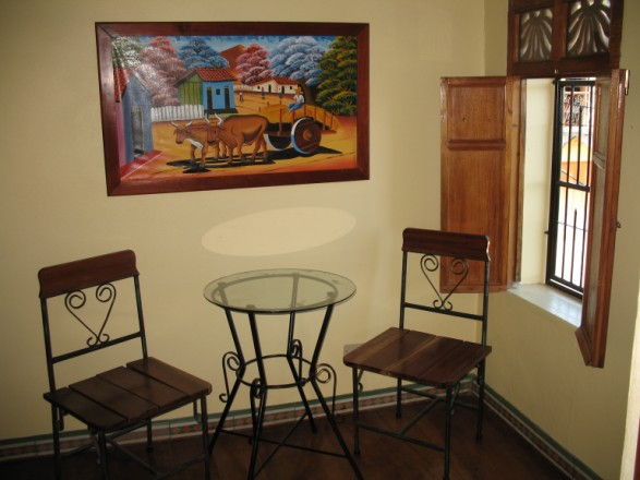 Casa de la Plaza - Side Table and Chairs