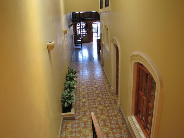 Vista Mombacho Apartments - Hallway