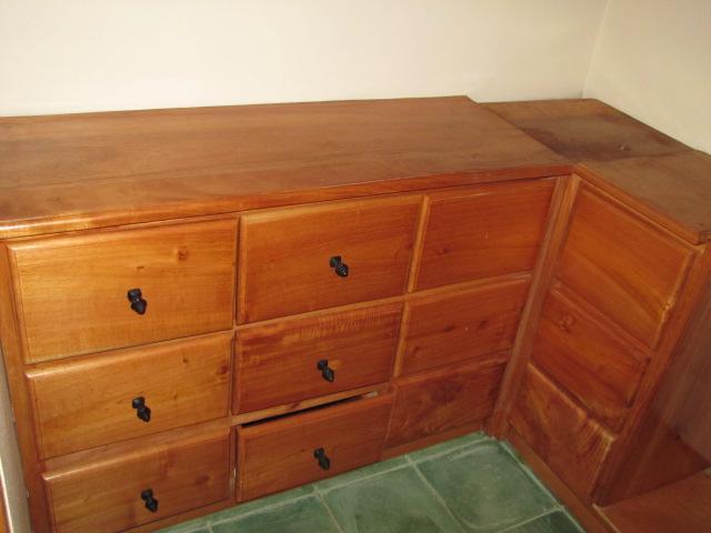 Vista Mombacho - Builtin Cabinets